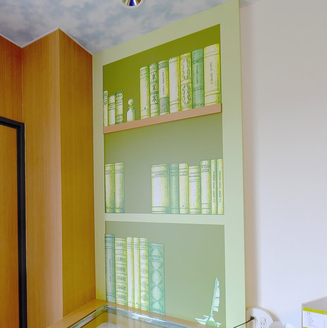 ハッピーマジックルームまほうの本棚
