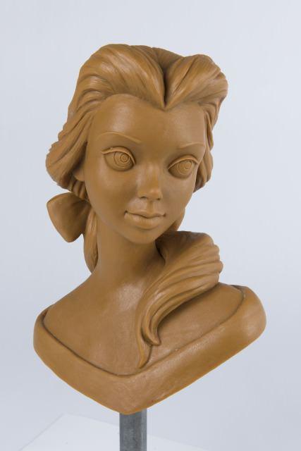「美女と野獣」ベルの胸像 (1991年) ©Disney