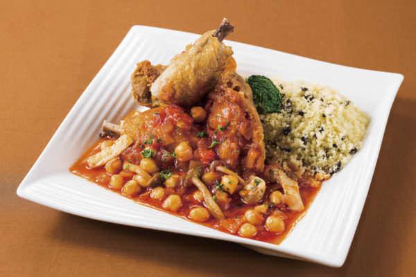 オリエンタルホテル東京ベイ「若鶏のロースト モロッコ風トマトソース クスクス添え」