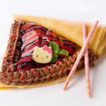 ハローキティのストロベリーチョコクレープ650円