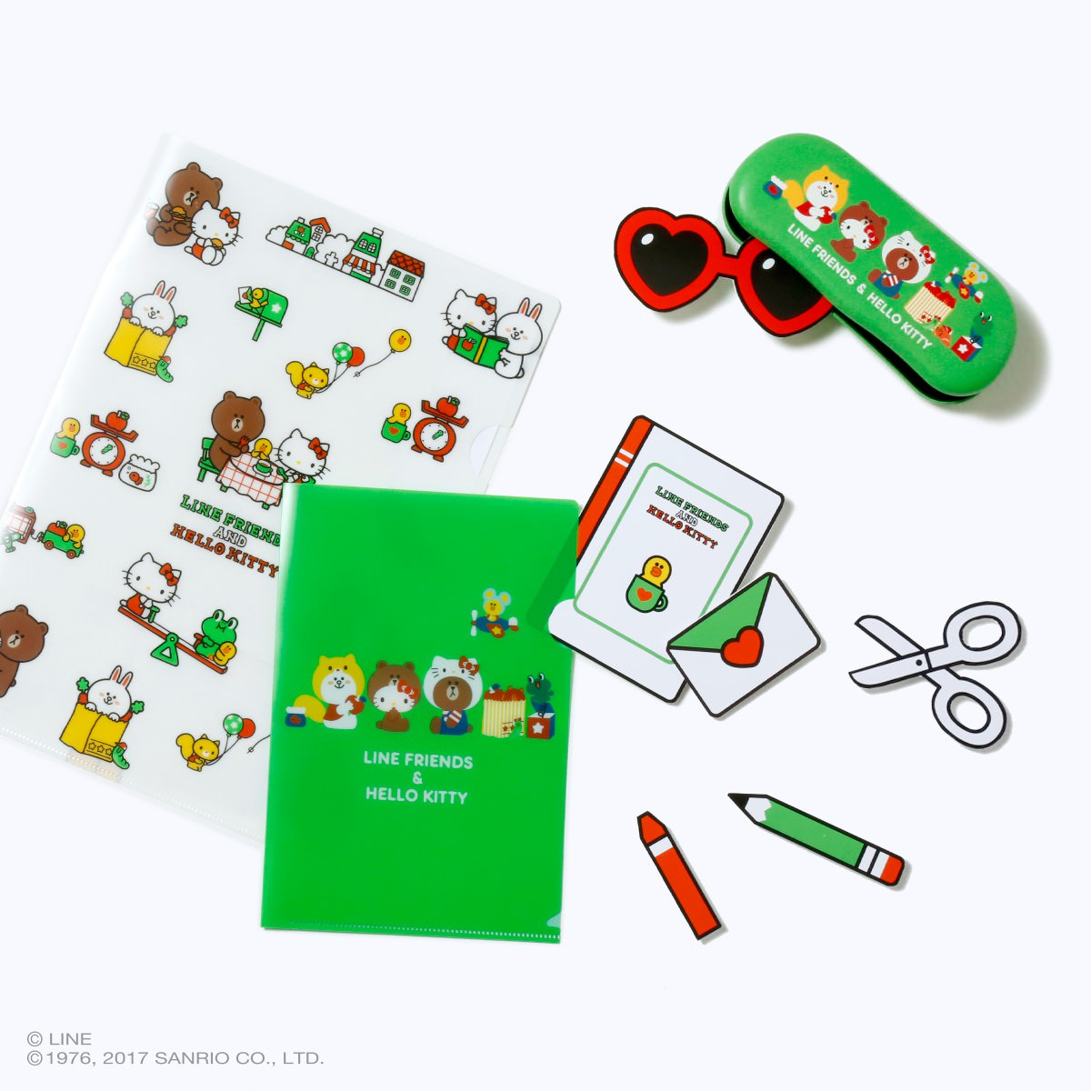 LINE FRIENDS & HELLO KITTY クリアファイル