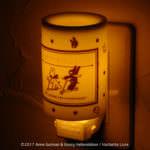 ファーゼン リサとガスパール アロマコンセントランプ ブラック&ホワイトライトアップ