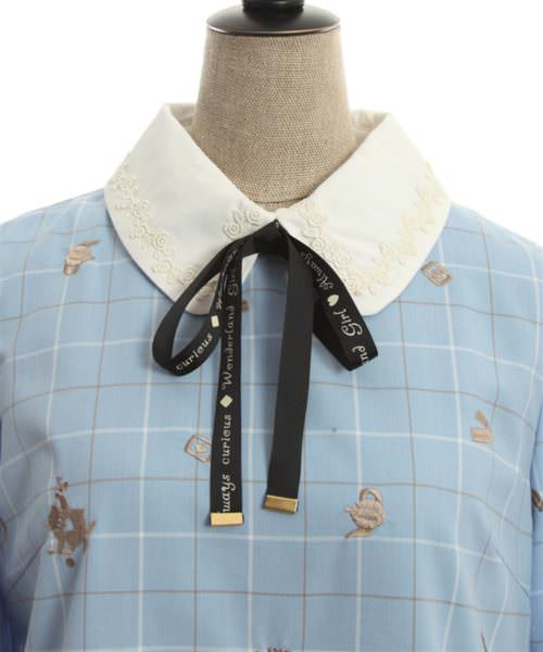 ドリーミーメルヘン柄刺繍ワンピース フロントアップ