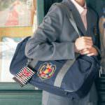 スクールバッグとリール付きパスケース