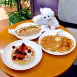 タリーズコーヒー「クラシックパンケーキ アフォガードベリー/ボールパークドッグ ホットチリシュリンプ」