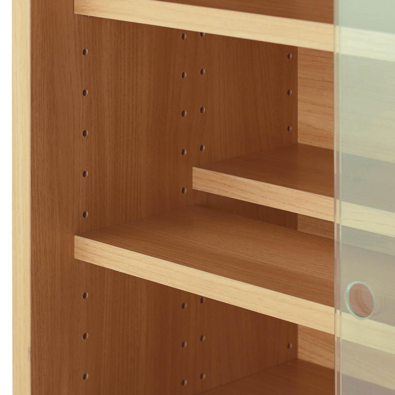 ダブル棚板のコレクションキャビネット 扉