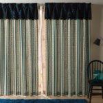 刺繍とプリントのドレスイメージカーテン