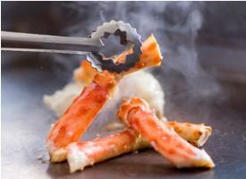 サンルートプラザ東京「北海道の恵み 和食バイキング」焼きガニ