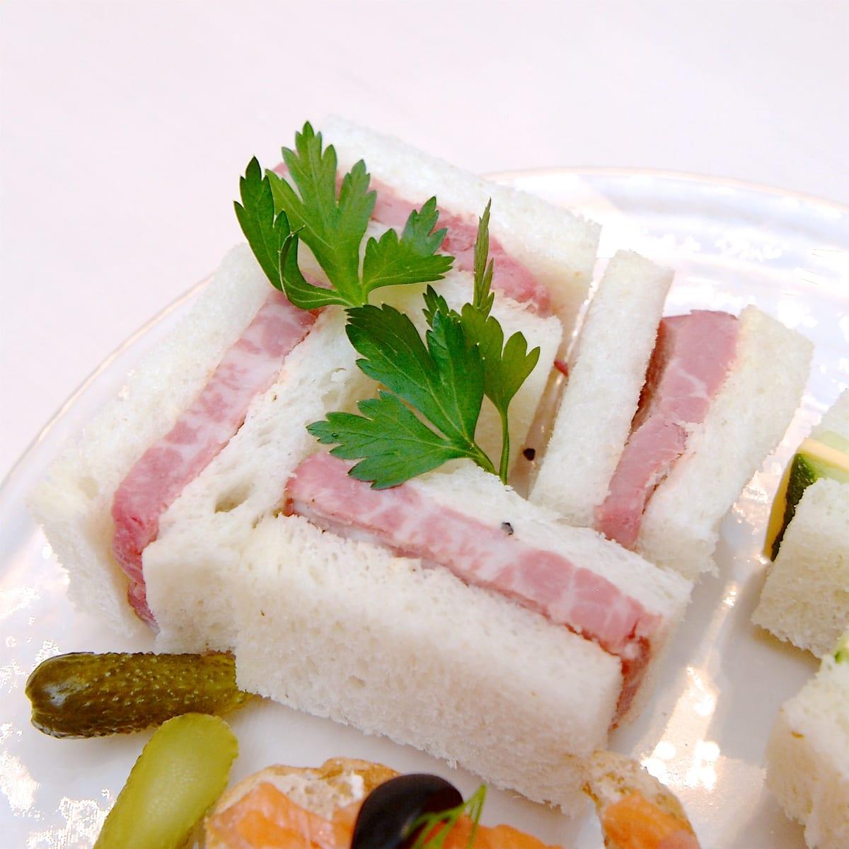 ローストビーフのサンドイッチ レフォールの香り