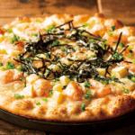 シェーキーズ「月替わりピザ」ポテトと餅の和風明太ピザ