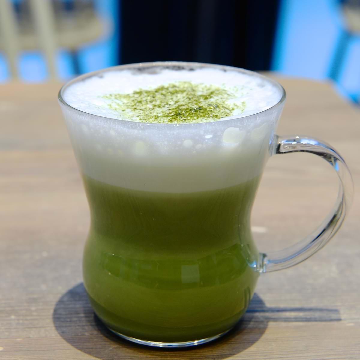 鶯丸の HOT 抹茶ラテ