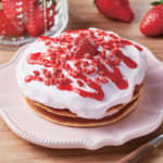 いちごクリームのパンケーキ