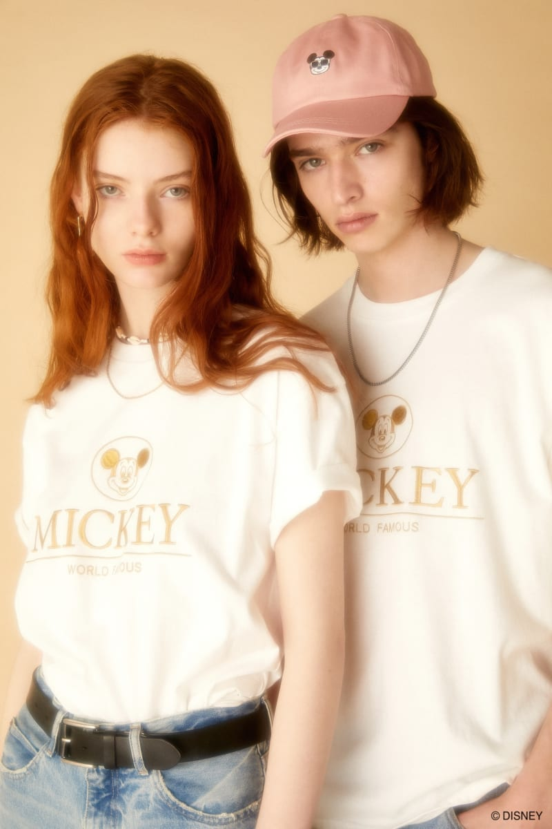 Disney SERIES CREATED by MOUSSY MICKEYエンブロイダリーTシャツ
