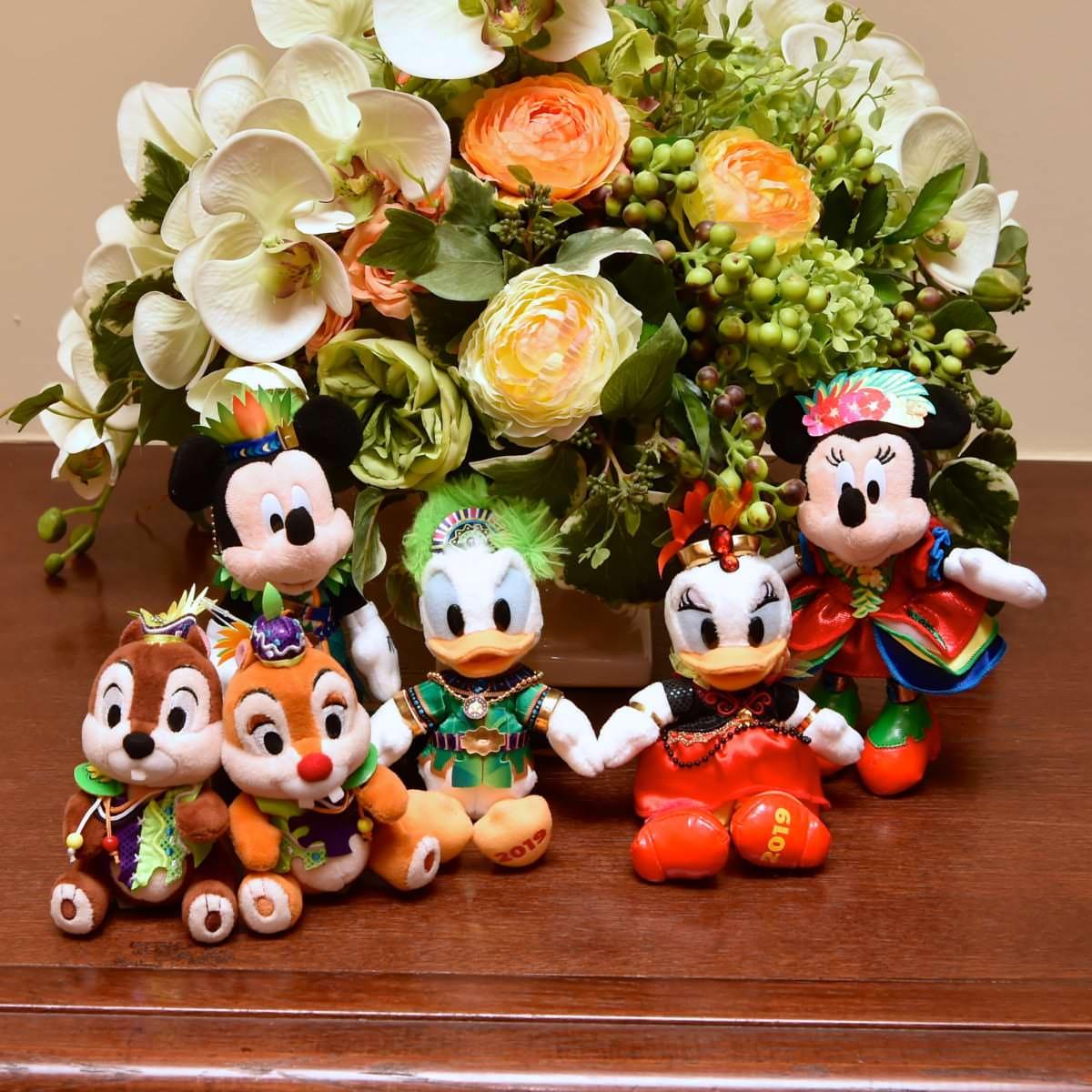 """東京ディズニーランド""""ドナルドのホットジャングル・サマー2019""""ぬいぐるみバッジ 写真"""