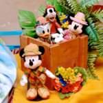 東京ディズニーシー『ソング・オブ・ミラージュ』ぬいぐるみバッジ・お土産 ディスプレイ
