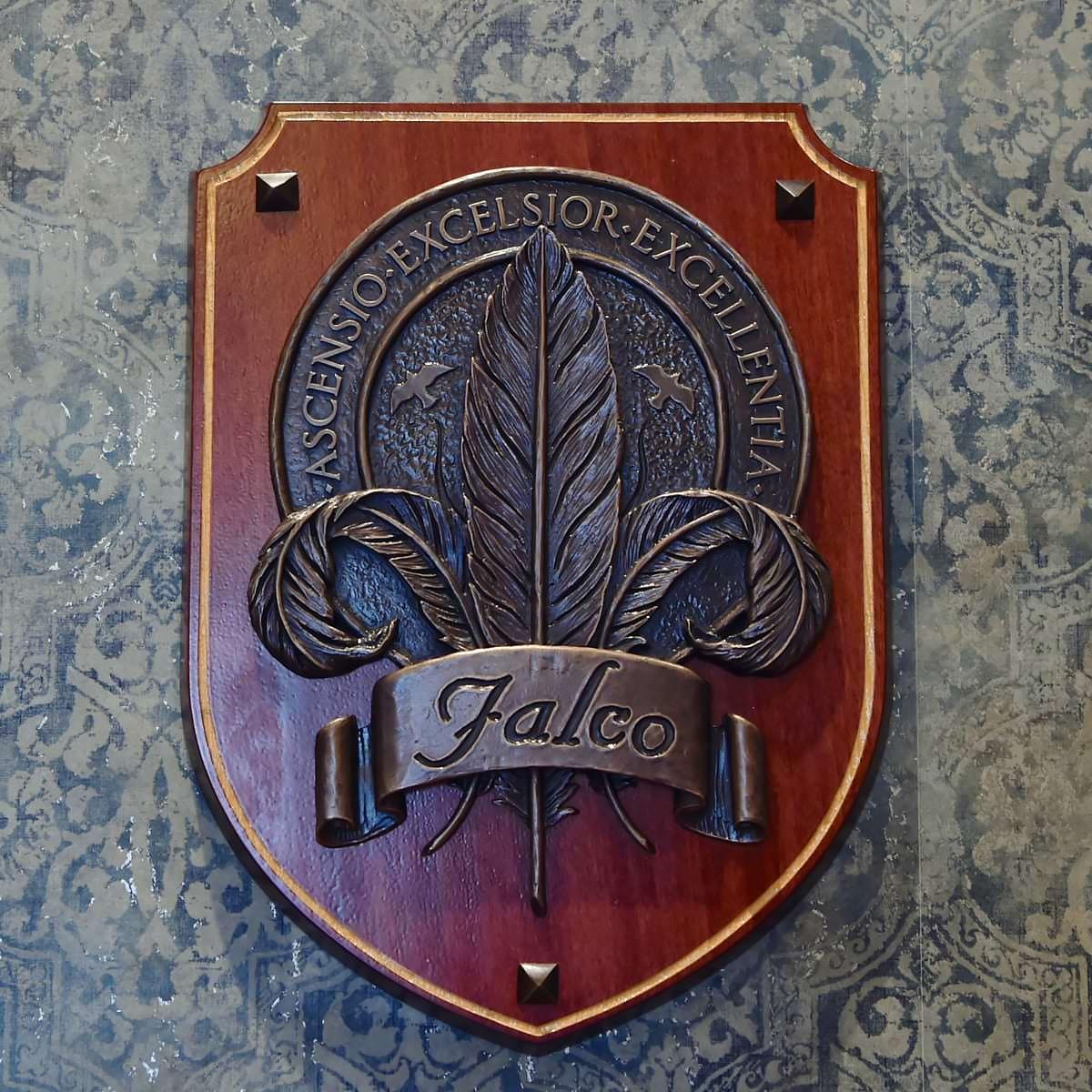 ファルコ家の紋章