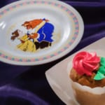 カップケーキ(キャラメル風味)、スーベニアプレート付き
