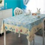 食卓が鮮やかになる撥水テーブルクロス