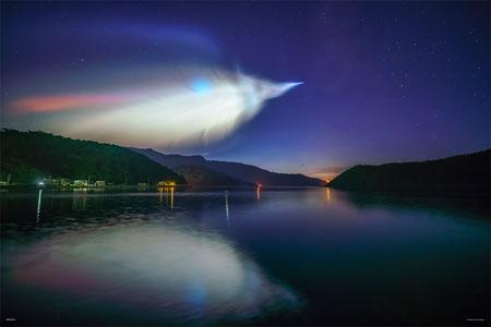 やのまん KAGAYA ジグソーパズル 宇宙への飛翔‐イプシロンロケットの発光雲‐