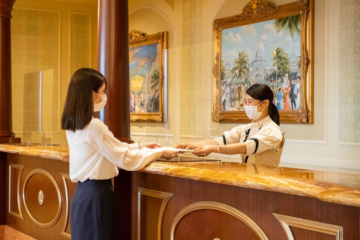 ディズニーホテル フロント