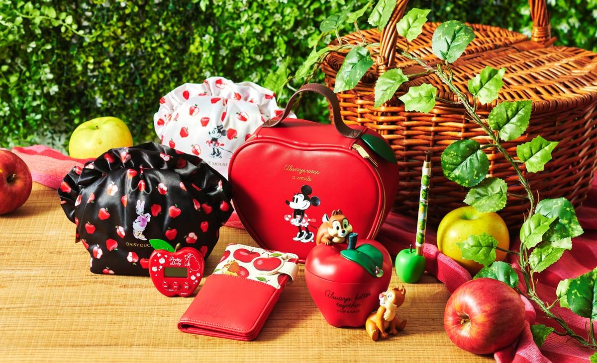 旬を感じる秋らしいポーチやツムツムぬいぐるみも!ディズニーストア「りんごモチーフグッズ」