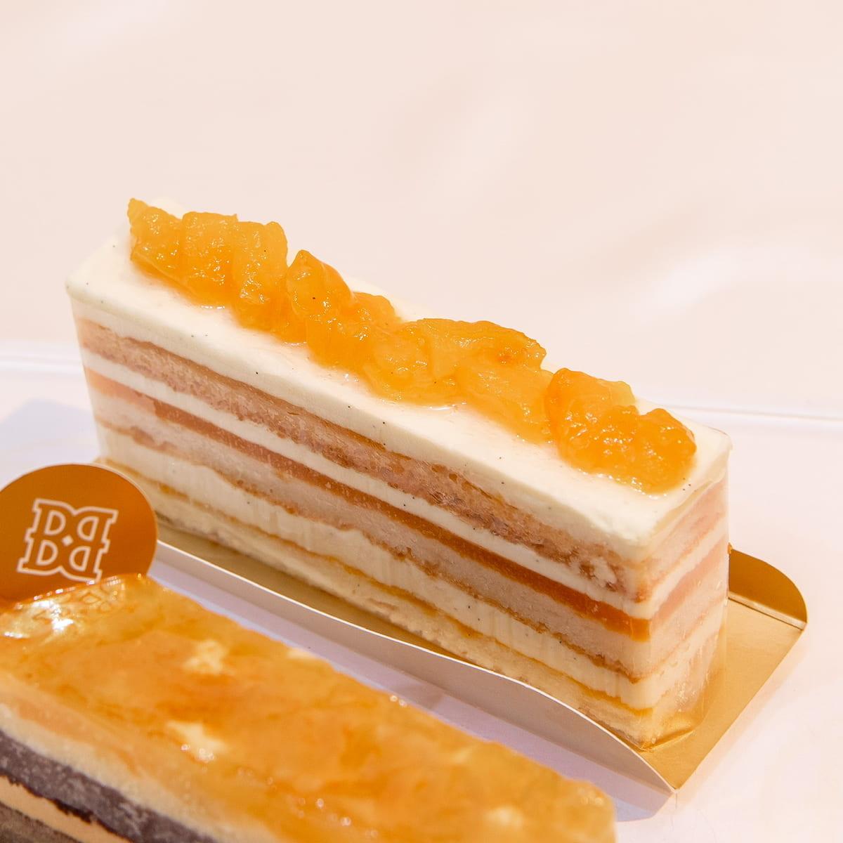 アプリコットたっぷりケーキ バターメルティ9層仕立て