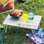 コンパクトに収納できる折りたたみテーブル 使用イメージ
