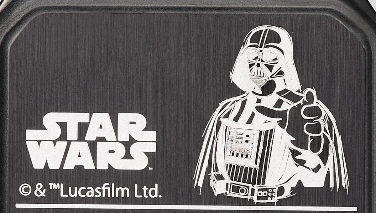 ダース・ベイダー(Darth Vader)モデル 刻印