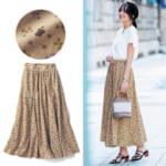 総柄プリントのギャザースカート 着用イメージ