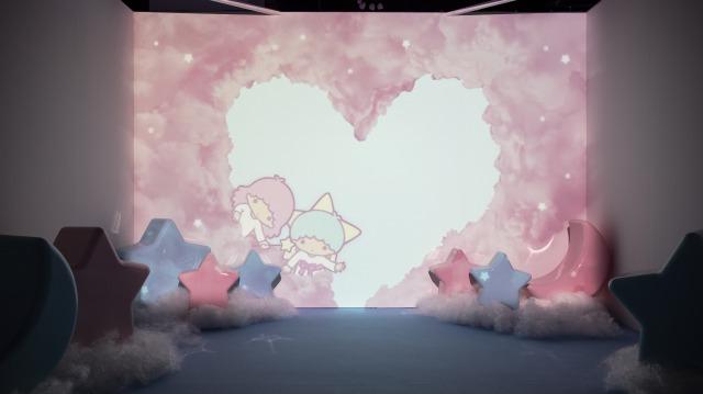 様々なキキ&ララのアニメーションと一に撮影できる「きらめくムービージェニックブース」